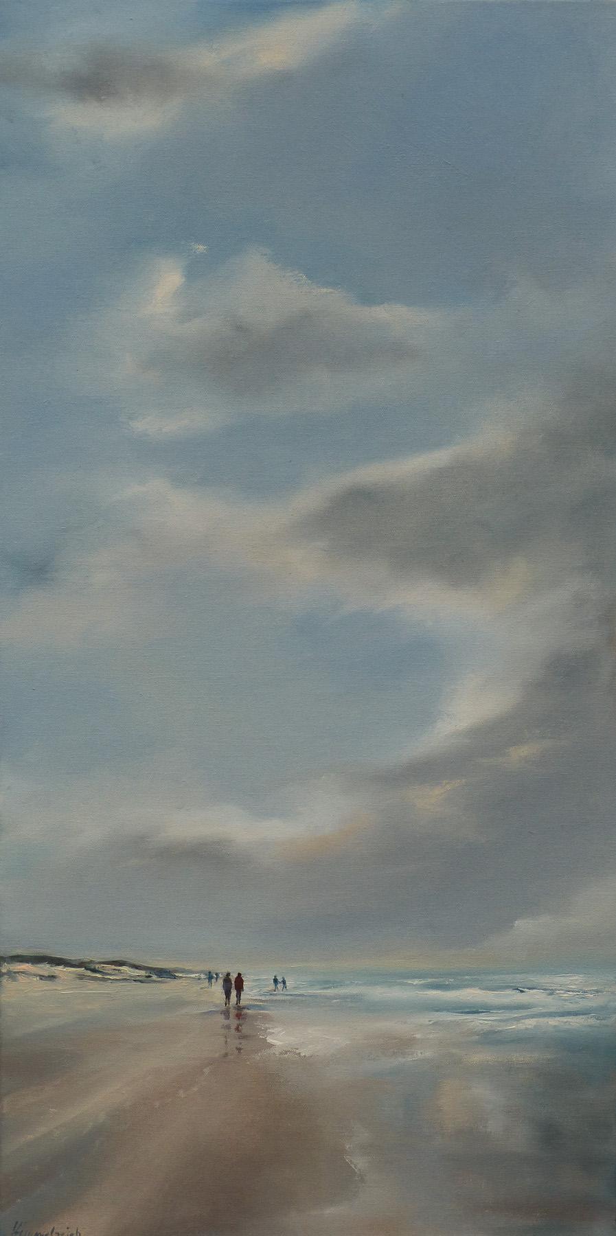 Menschen am Meer hoher Himmel